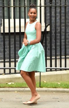 <p>When in London, do as the royals do in a mint fit and flare-style dress. <i>(Photo by Karwai Tang/WireImage)</i><br /></p>