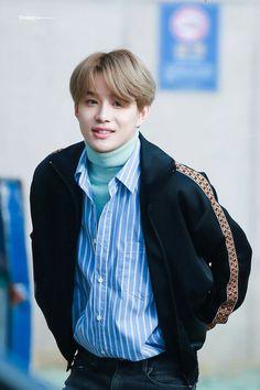 I wanna fluff his goddamn hair uwu Nct Johnny, Johnny Seo, Nct Dream Members, Nct U Members, Nct Yuta, Kim Jung, Jung Woo, Nct 127, Ntc Dream