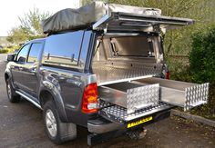 Toyota Pickup fitted with an Integral Drawer System