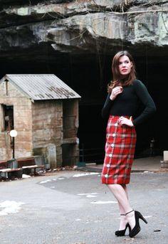 RED PLAID pencil skirt - Medium - knee length skirt with buttons. FatRabbit1 via Etsy.
