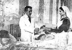 Foto inédita de José Gregorio Hernández ejerciendo su profesión.