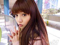 日本AV小惡魔美少女《水菜麗》,謎片百變穿搭讓你噴鼻血!(暗黑郭采潔) | 點我一下 分享無價