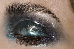 glossy eye by Fabienne Rea
