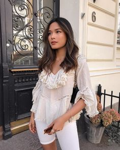 Image may contain: 2 people, people standing and indoor Hair Color Asian, Asian Hair, Asian Brown Hair, Asian Balayage, Balayage Hair, Cute Hairstyles, Straight Hairstyles, Hair Inspo, Hair Inspiration