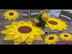 CAMINHO DE MESA GIRASSÓIS - YouTube Crochet Table Runner Pattern, Crochet Basket Pattern, Crochet Flower Patterns, Crochet Designs, Crochet Flowers, Crochet Carpet, Crochet Home, Crochet Crafts, Crochet Doilies