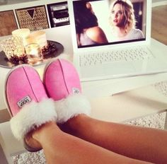 Best uggs black friday sale from our store online.Cheap ugg black friday sale with top quality.New Ugg boots outlet sale with clearance price. Teen Fashion, New York Fashion, Fashion Women, Fashion Tips, Fashion Trends, Runway Fashion, Casual Outfits, Summer Outfits, Winter Outfits