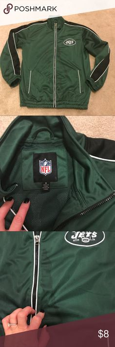 🏈 NFL New York Jets Zip Up Jacket 🏈 🏈 men's size medium 🏈 please note the staining on the front, pulled out of storage & haven't attempted to wash it out so it may possibly come out. NFL Jackets & Coats