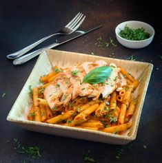 Hot & Spicy Chicken Penne Chicken Penne, Cafe Restaurant, Thai Red Curry, Spicy, Hot, Ethnic Recipes, Chicken Penne Pasta