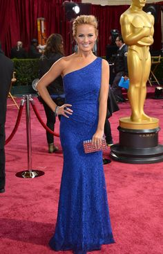 #oscarfashion Entertainment Tonight correspondent Brooke Anderson chose a lace one-shoulder David Meister gown. 2014