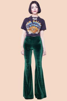 Glycine pourpre velours Bell Bottoms by SpanishThreads on Etsy 70s Outfits, Band Outfits, Cute Outfits, Fashion Outfits, Weird Outfits, School Outfits, 70s Inspired Fashion, 70s Fashion, Street Fashion