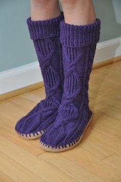 Slipper Socks (Chaussettes Pantoufles) by Patons #free #pattern