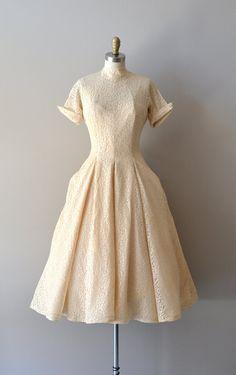 vintage 1950s DeLovely lace dress #1950s #vintagedress #lace