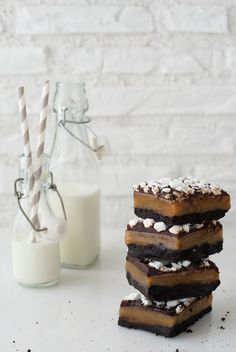 oreo caramel chocolate marshmallow brownie bars.