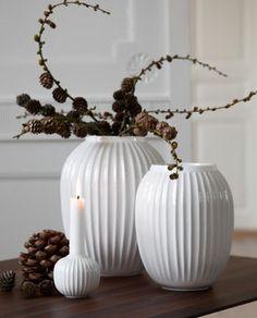 Lerke, a joli shop dedicated to the scandinavian art of living - New Deko Sites Large White Vase, White Vases, Design Vase, Style Deco, Scandinavian Art, Art Of Living, Dinner Table, Candlesticks, Home Accessories