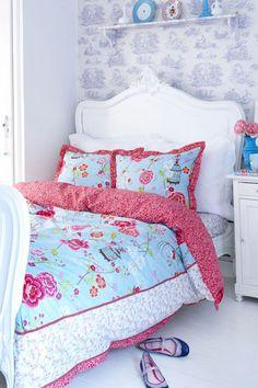 girl's room, white floors