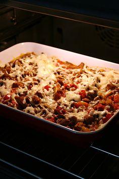 Pratik_guvec Turkish Recipes, Ethnic Recipes, Turkish Kitchen, Iftar, Lasagna, Salad Recipes, Macaroni And Cheese, Turkey, Pasta