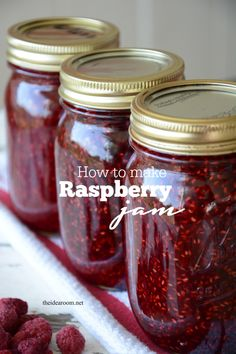 Make this tasty and simple Raspberry Jam that is made without pectin. Tastes gre… Make this tasty and simple Raspberry Jam that is made without pectin. Jam Recipe Without Pectin, Pectin Recipe, Raspberry Recipes, Raspberry Jam No Pectin, Raspberry Jelly Recipe, Homemade Raspberry Jam, Raspberry Freezer Jam, Homemade Jelly, Raspberry Preserves