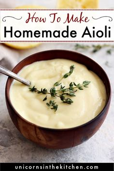 This garlic aioli recipe from scratch would change your life! This easy homemade sauce is perfect for dipping fried or crab cakes and is so delicious thanks to garlic and lemon. Check out other variat Garlic Aoli Recipe, Aoili Recipe, Lemon Garlic Aioli, Roasted Garlic Aioli, Spicy Aioli, Homemade Aioli, Homemade Sauce, Crab Cake Sauce, Recipes
