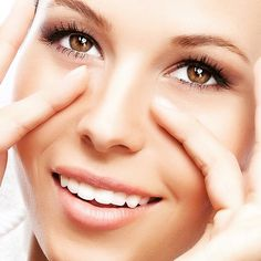 Trucos de Belleza www.ideassoneventos.com #ideassoneventos #bienestarybelleza #belleza #ojos #contornodeojos #envejecimientodelcontornodeojos #envejecimientodelamirada #instabeauty #beauty #trucosdebelleza #consejosdebelleza #comoprevenirelenvejecimientodelosojos #comoprevenirelenvejecimientodelcontornodeojos #instalife #instafashion #instastyle #mirada #ojeras #personalshopper #asesoradeimagen