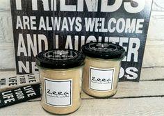 zeea - handmade candles to manufaktura gdzie z dbałością o najdrobniejsze szczegóły ręcznie wytwarzamy naturalne świece zapachowe. Wszystkie produkty w naszej pracowni powstają w małych seriach z najwyższej jakości surowców naturalnych pozyskiwanych z kontrolowanych upraw ekologicznych oraz lokalnych gospodarstw pszczelarskich.