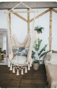 Hanging Hammock Chair for Bedroom. Hanging Hammock Chair for Bedroom. Indoor Swing Chairs Inspirations for Your Home Decor My New Room, My Room, Macrame Hanging Chair, Hanging Chairs, Hanging Beds, Outdoor Hanging Bed, Macrame Chairs, Diy Hanging, Beach House Decor