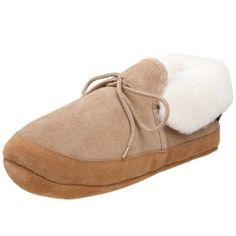 e65fffb137d7 18 Best Shoes - Slippers images