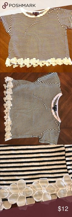 Tiny baby girl striped crop Black and white striped baby girl cropped tee very soft slightly worn but a lot of life left! I love the little white daisy appliqué along the bottom! 90's grunge girly Tops Crop Tops