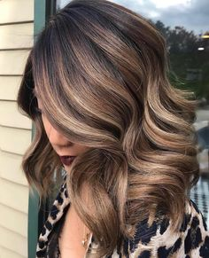 What balayage hair color is trending right now? We're going to explore different types of balayage colors together with the best hair experts. Medium Long Hair, Medium Hair Styles, Long Hair Styles, Sandro, Long Hair Designs, Types Of Hair Color, Brown Hair With Blonde Highlights, Ash Highlights, Ash Blonde
