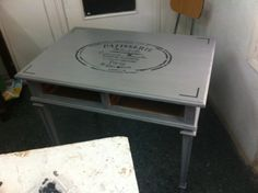 Mesa con Stencil / Estarcido...¡A la última!