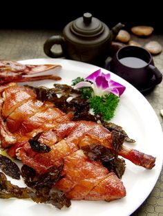The much-loved Sichuan dishes are returning to Man Wah at Mandarin Oriental, Hong Kong.  樟茶鴨 Tea smoked duck