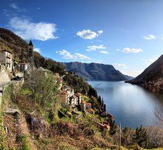 Lago di Como, between Bellagio and Como, Italia