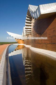 Spain, Laguardia, Bodegas Ysios, architect: Santiago Calatrava