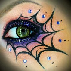 15 Spooky Halloween Eye Makeup - Halloween - Make Up Spooky Halloween, Halloween Eye Makeup, Diy Halloween Costumes, Halloween Crafts, Halloween Ideas, Kids Witch Makeup, Diy Witch Costume, Costume Ideas, Vintage Halloween