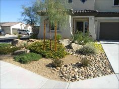 Desert Landscape Design Ideas desert landscaping retaining wall Small Front Yard Landscaping Design Ideas Love That There Is No Grass And Lots Of