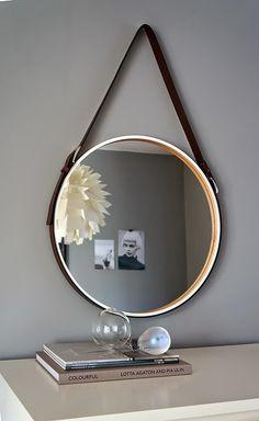 Diy - Ikea 'Skogsvåg' mirror with simple leather belt