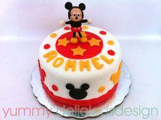 Pastel de Mickey mouse...figura modelada en fondant...