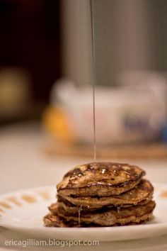 Only  2 ingredients. Egg white and bananas. lm a little sceptical; will have to try. La Dolce Vita: 2-Ingredient Pancakes