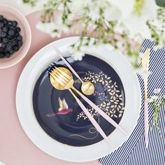 Shop online for the luxury ranges of cutlery and silverware at Amara, perfect for updating your table setting. Flatware Set, Luxury Gifts, Goa, Afternoon Tea, Pink And Gold, Dinnerware, Color Schemes, Table Settings, Table Decorations