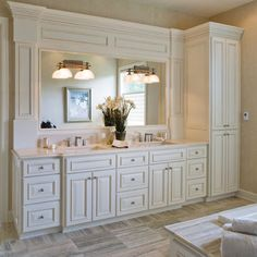 girls bathroom Traditional Bathroom Design, Pictures, Remodel, Decor and Ideas - page 17