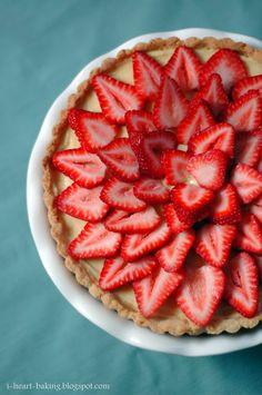 i heart baking!: fresh strawberry fruit tart with chocolate layer on bottom Tart Recipes, Sweet Recipes, Cooking Recipes, Cooking Ideas, Yummy Recipes, Strawberry Fruit, Strawberry Recipes, Great Desserts, Dessert Recipes