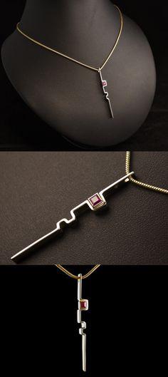 Gouden hanger met care geslepen Robijn #goudsmidmetpassie #omdatikvanjehou