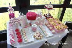 zauberhafter Sweet table in Pink nicht nur für die festliche Angelegenheit Hochzeit, sondern auch für die Mädchen Party