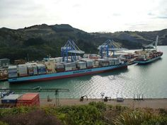 Lexa Maersk and Olivia Maersk, Port Chalmers, NZ. 14.8.16. Acknowledgment Duncan Montgomery.