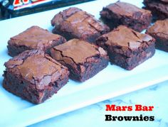Makes 16 squares I've always loved Mars bars. Ever since I was a kid. In fact, I loved them so much that I ate one for breakfast every day of my high school exams. I'm not natura… Brownie Recipes, Cookie Recipes, Dessert Recipes, Bar Recipes, Recipies, Yummy Treats, Sweet Treats, Yummy Food, Chocolate Cookie Bars