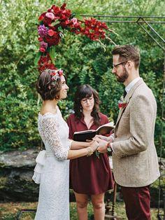 wedding ceremony - photo by Justin Tearney http://ruffledblog.com/collaborative-pennsylvania-farm-wedding