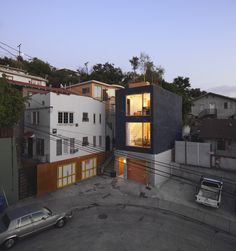 eels nest - on 280 square ft. Lot in LA, CA, USA built by Simon Storey