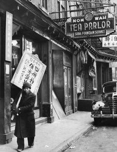 Bar neon sign retro typography
