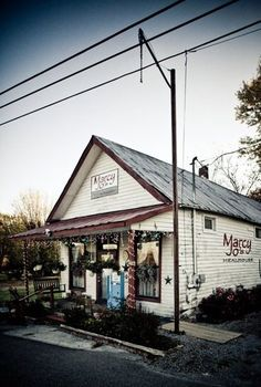 These 9 Amazing Breakfast Spots in Tennessee Will make Your Morning Epic | Marcy Jo's Mealhouse and Bakery - Pottsville | Only in Your State