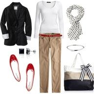 LOLO Moda: Cool women outfits: Black blazer, White t, Beige pants, Red accents. I have to get some beige pants. Looks Style, Style Me, T Shirt Branca, Casual Outfits, Cute Outfits, Work Outfits, Outfit Work, Casual Clothes, Work Clothes