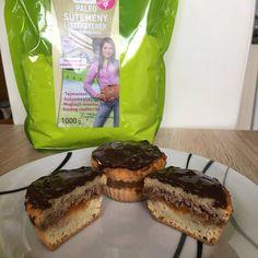 Paleo zserbó muffin  Gluténmentes, csökkentett szénhidráttartalmú, Szafi Fitt paleo zserbó muffin recept Akiknek javaslom: ✔Gluténérzékenyek ✔Tejérzékenyek ✔Paleozók Hozzávalók (8 darabhoz): Tészta: 120 g Szafi Reform süteményliszt (paleo süteményliszt ITT!) 1db tojás (53 g) Healthy Food Options, Healthy Recipes, Healthy Cake, Paleo Dessert, Muffin, Paleo Diet, French Toast, Gluten Free, Snacks